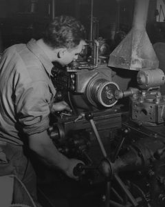 Cloyes historical photos of gears